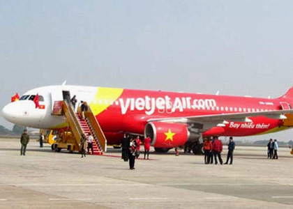 ve may bay viet jet air may bay ha canh cam ranh